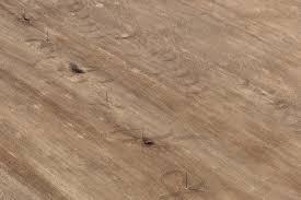 Beslissen over een nieuwe vloer voor uw huis is nooit een eenvoudig proces, moet je kiezen voor een PVC vloer?